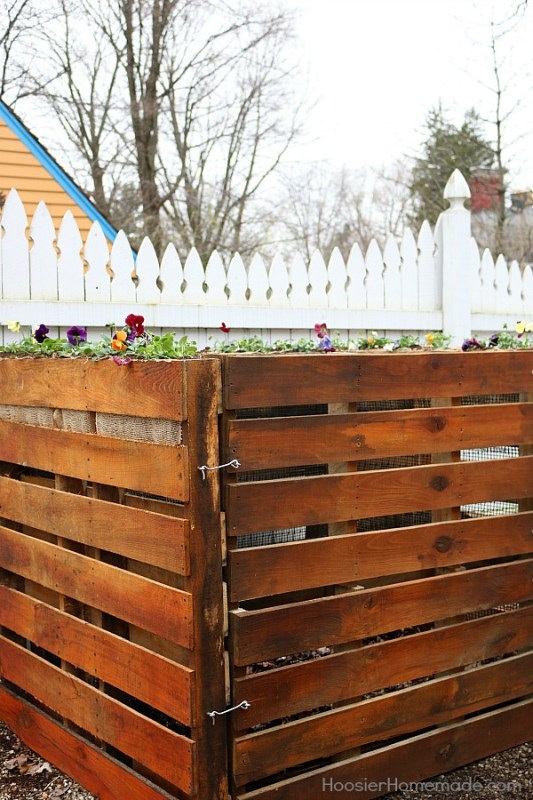 wooden-pallet-compost-bin-hoosier-homemade