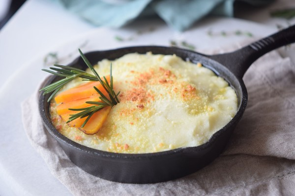 Looking for a great comfort food favorite. Try this one with a twist. Sweet Potato Shepherd's Pie Recipe via Remodelaholic.com
