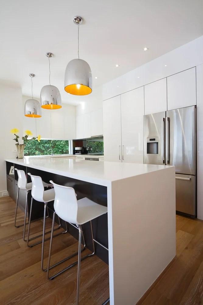 Picking Lighting For Your Kitchen @remodelaholic