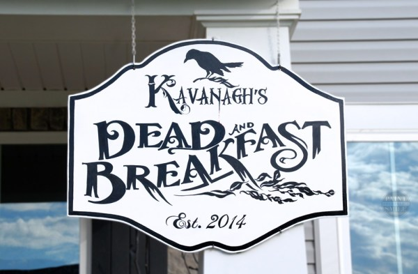 Diy Halloween Dead And Breakfast Porch Sign Paint Yourself A Smile
