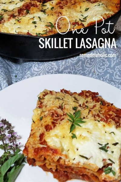 A simple and quick dinner recipe using one pot! Try this Melt in your Mouth Skillet Lasagna recipe via Remodelaholic.com