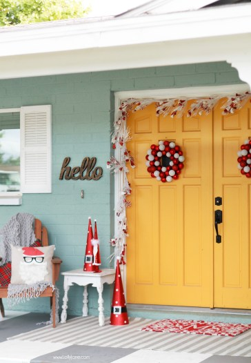 Add Some Holiday Cheer To The Entry Of Your Home With One Of These 20 Festive Christmas Porches You'll Love Featured On Remodelaholic.com