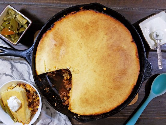 This sounds like a delicious dinner recipe. A quick and yummy dinner idea, skillet chili cornbread via remodelaholic.com