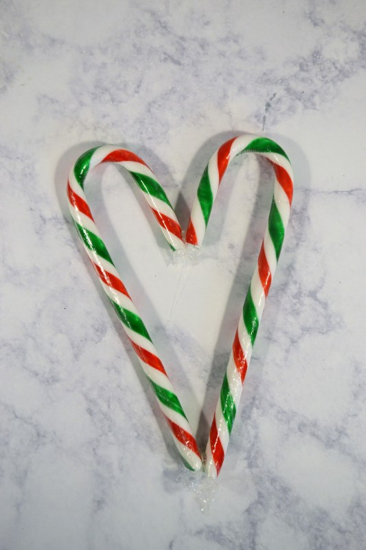 Make an adorable candy cane wreath for Christmas