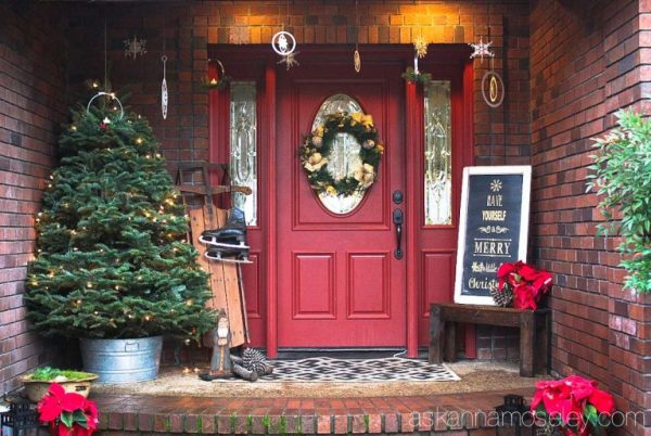 A Christmas Front Porch 10 768x514