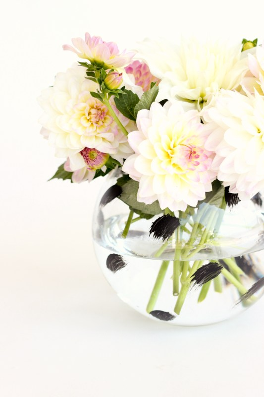 Remodelaholic 20 Modern Diy Flower Vases