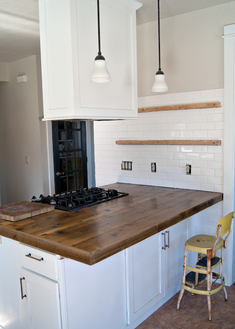 Get the look your want for countertops on a budget with one of these 10 inexpensive but amazing DIY countertop ideas featured on remodelaholic.com