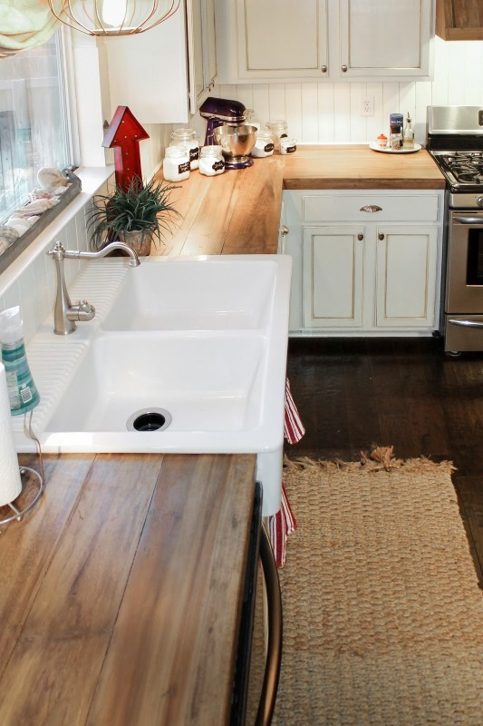 Remodelaholic | 10 Inexpensive but Amazing DIY Countertop Ideas