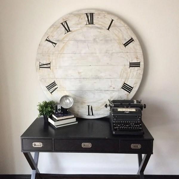 Rustic Clock Sq