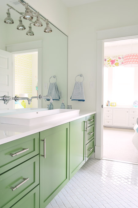 Remodelaholic Bold Color In A Bathroom