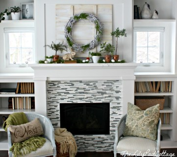 25 Fresh and Inspiring Spring Mantels