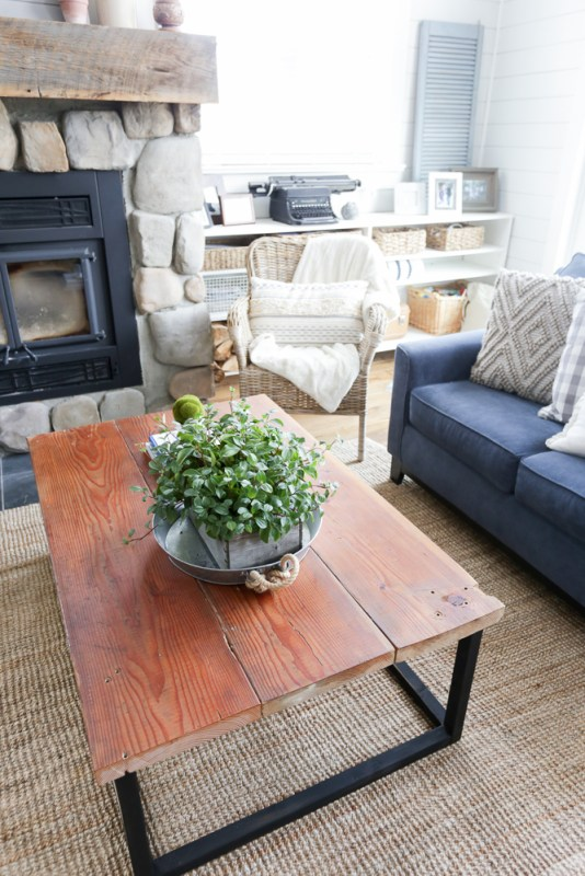DIY Reclaimed Wood Coffee Table 16
