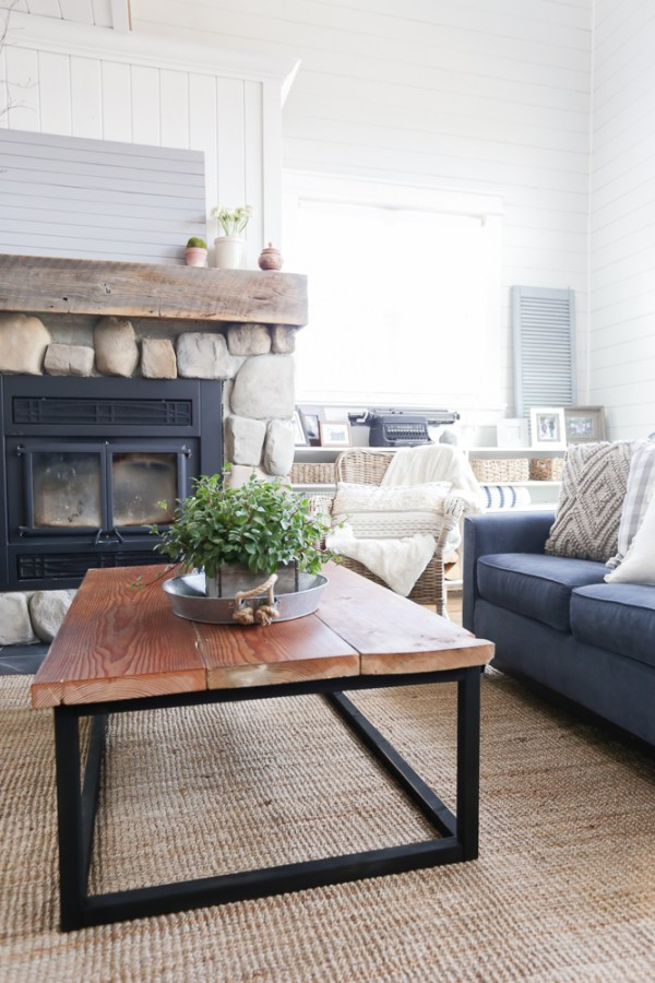 DIY Reclaimed Wood Coffee Table 18 This Mamas Dance