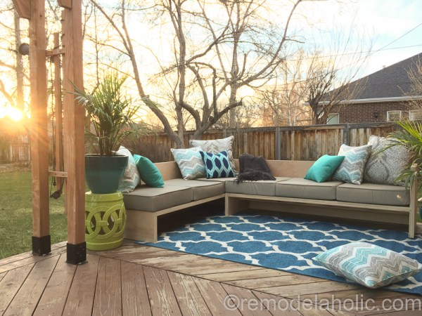 DIY Outdoor Furniture Woodworking Plans: Plywood Sofa Sectional
