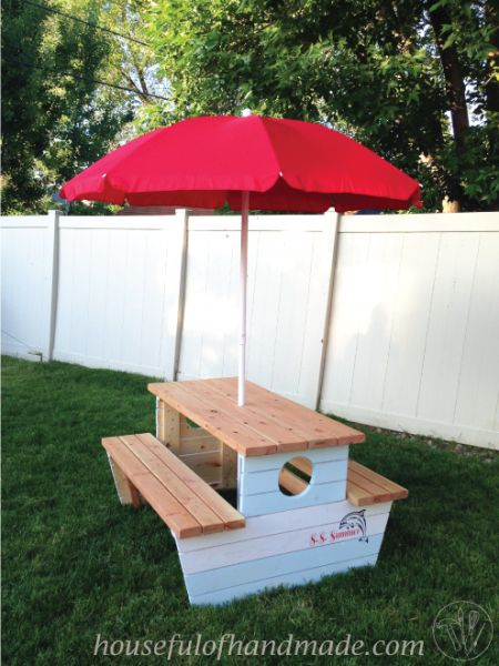2x4 Wood Projects, kids picnic table by Houseful Homemade