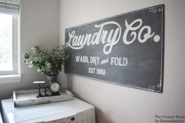 DIY Wall Decor Ideas: How to paint your own Fixer Upper Magnolia Market style laundry sign | farmhouse decor | laundry room | chalkboard | vintage