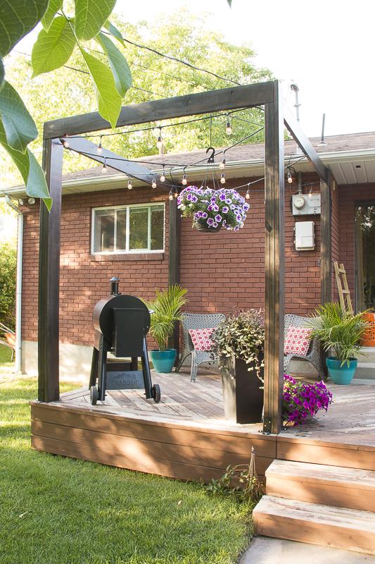 Modern Deck Pergola @Remodelaholic 26 - Remodelaholic DIY Modern Deck Pergola Plans