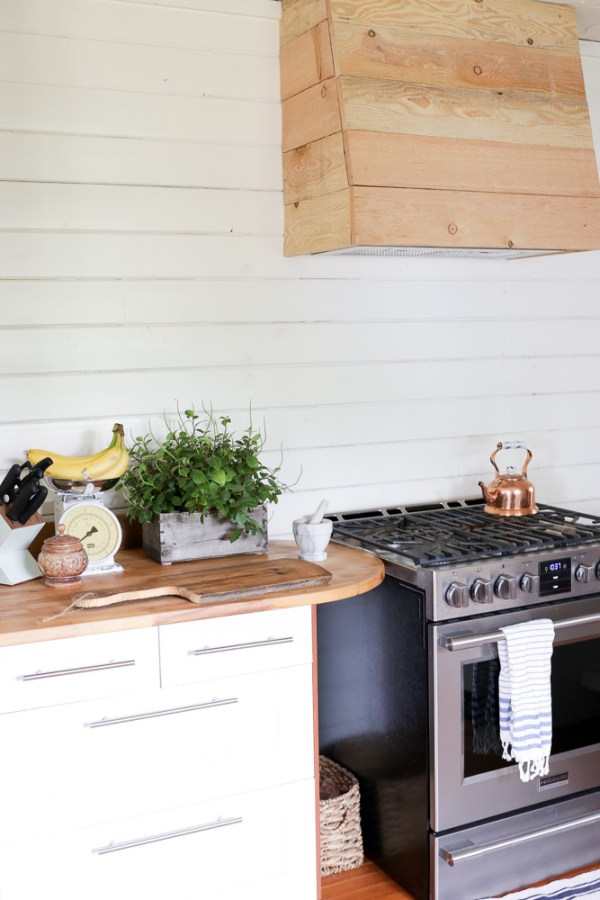 Custom Wood Vent Hood Tutorial | This Mamas Dance for Remodelaholic