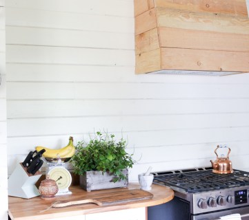 How to Build a Farmhouse Style Custom Wood Vent Hood