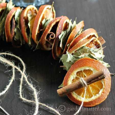 Dried Orange Garland Sq Gardenmatter.com