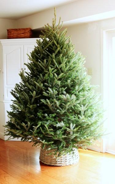 How To Make A Basket Into A Christmas Tree Skirt