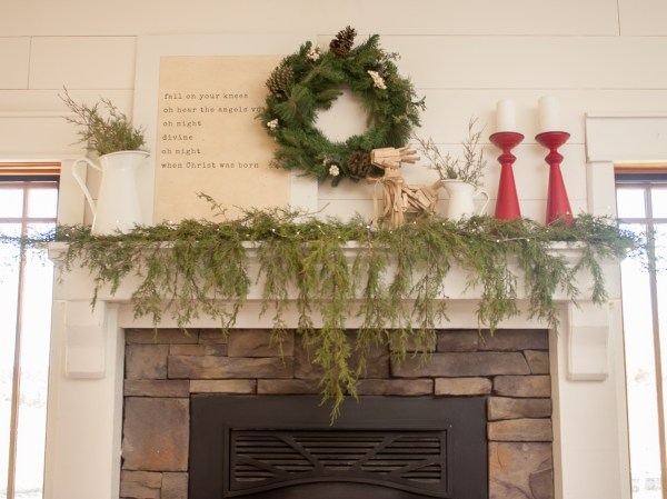 How To Style A Farmhouse Christmas Mantel (5 Of 15)