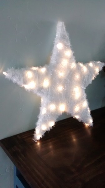 Shimmery White Lighted Christmas Star How to build 3 wooden Christmas stars from just ONE board, for about $12. These decorative wood stars are great for decorating for the Fourth of July and year round, too! | One board project | Christmas stars | Easy DIY building projects