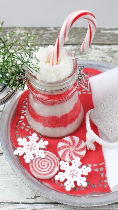 A Fun, Festive Beauty Gift For Christmas. Candy Cane Sugar Scrub Recipe Via Remodelaholic.com