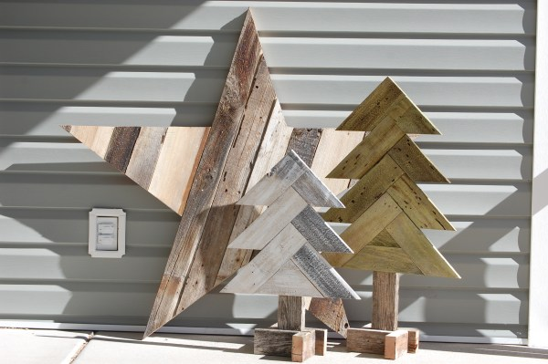 DIY Herringbone Wood Christmas Trees + Sparkly Rustic Wood Star - Make your own DIY Christmas Decor Ideas featured on Remodelaholic.com
