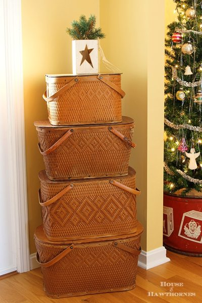 Picnic Basket Xmas Tree 377