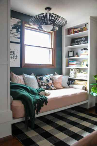Reading Nook With Built In Daybed 26