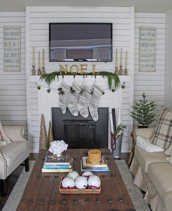 Neutral And Gold Christmas Decorating Ideas 2