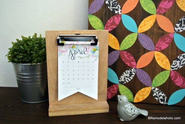 Printable Desk Calendar Plus Easy DIY Desktop Calendar Stand Or Photo Display @Remodelahol (4)