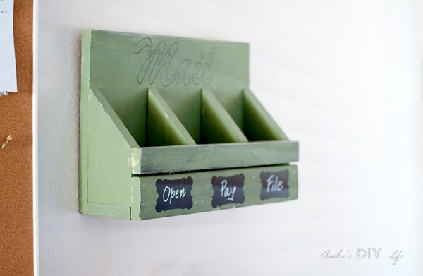 Easy DIY Mail Organizer Anikas DIY Life 700 2