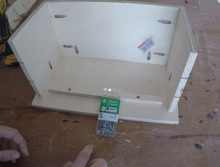 Remodelaholic Spice Cupboard Assemble (34)