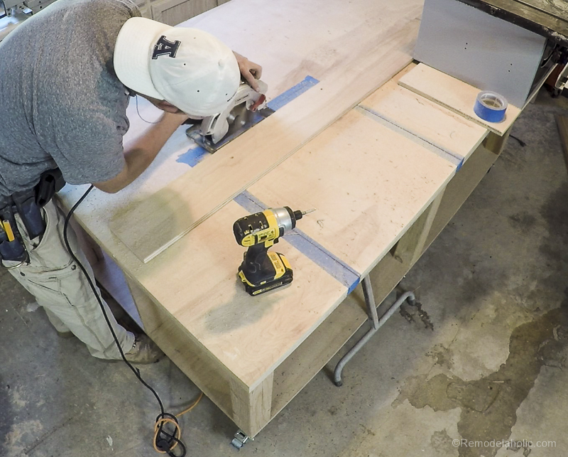 Table Saw Workbench @Remodelaholic 20
