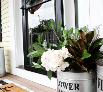 Outdoor Decor IdeasDecorating With Faux Flowers 5