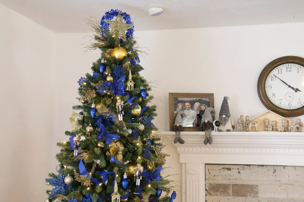 Dollar Store Christmas Tree Under $50 #remodelaholic #Christmastree #dollarstoreChristmas #Christmashacks