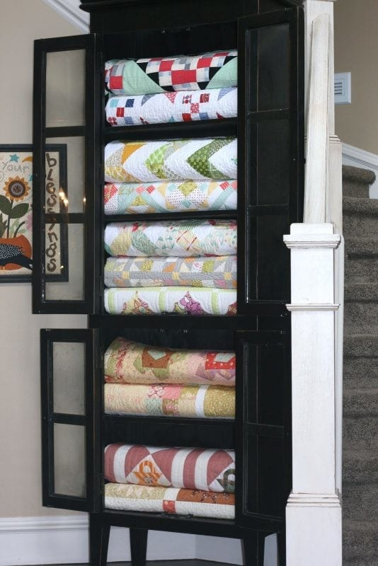 China Cabinet With Blankets @ Remodelaholic 534x800