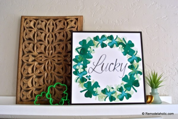 Printable Green Wall Art: Shamrock Watercolor Clover Wreath For St Patrick's Day | Seasonal Art Set For Easy Home Decor #remodelaholic