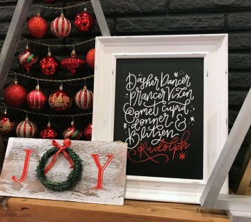 Simple And Fast DIY Chalkboard Signs For Christmas, Holidays, Welcome, Host Gifts #remodelaholic