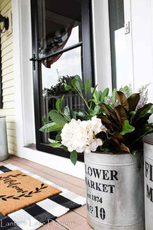 Outdoor Decor IdeasDecorating With Faux Flowers 5 (1)