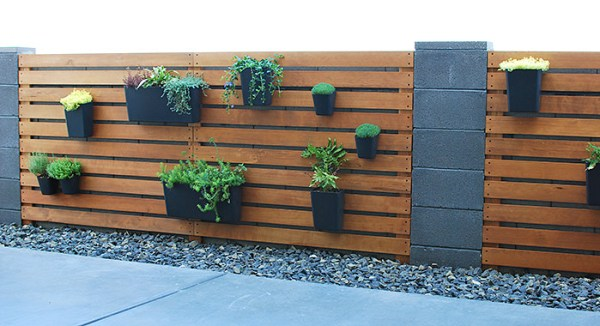 Diy Wood Slat Planter Wall Over Cinder Block Fence, The Garden Glove Featured On Remodelaholic
