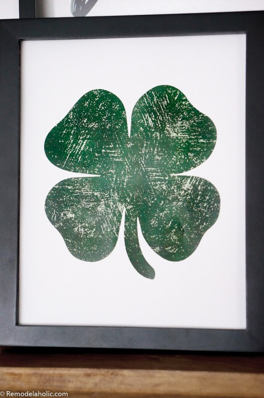 Free Printable Distressed Shamrock Lucky Green Clover Printable #remodelaholic
