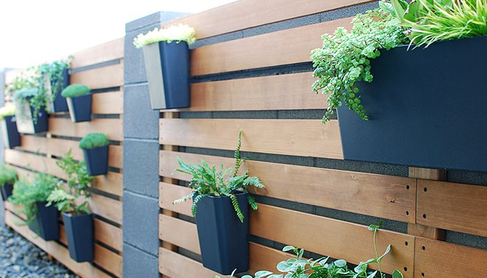 DIY Wood Slat Garden Wall with Planters