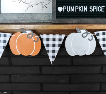 Farmhouse Fall Printable Bunting Garland With Pumpkins And Gingham #remodelaholic