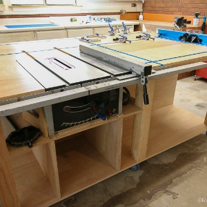 Table Saw Workbench @Remodelaholic 13
