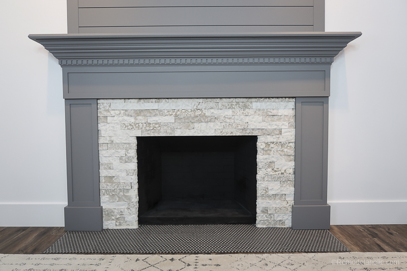 DIY Fireplace Makeover Fireplace Mantel Prime And Paint 1 (6)