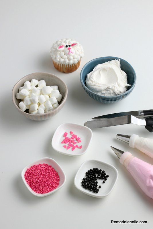 Easter Cupcakes: How to Decorate a Spring Lamb Cupcake
