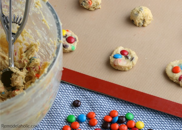 Chocolate Chip M&M Cookie Recipe For Soft Chewy Cookies #remodelaholic